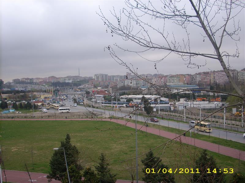 Aşan emlak tan zeytinburnu çırpıcı metro tramvay metrobüs duraklarının yanı başında kiralık daire