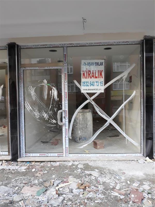 zeytinburnu nuripaşa pazar pazarı caddesinde kiralık dükkan