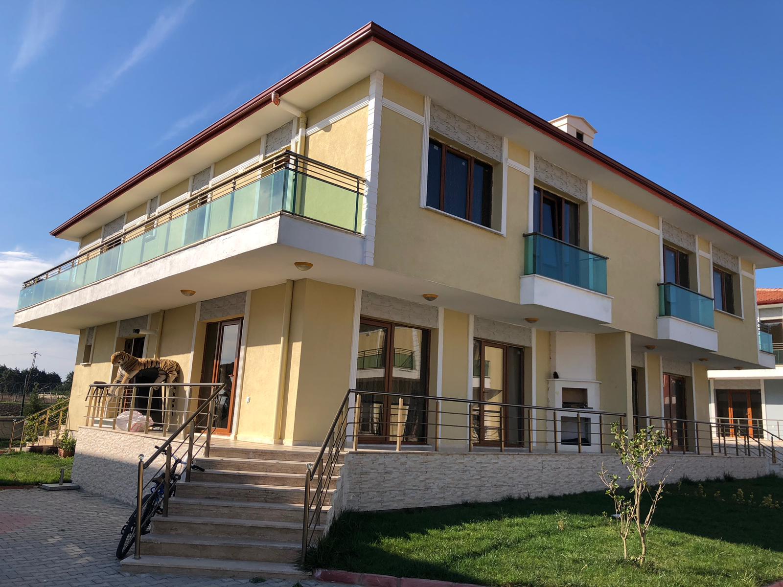 Silivri Selimpaşa da site içerisinde satılık sıfır villa
