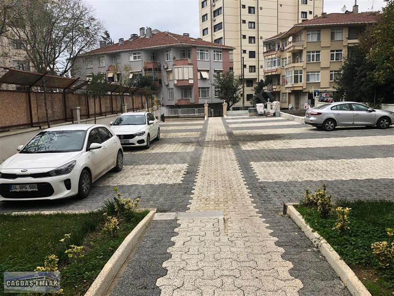 KADIKÖY FENERYOLUNDA DENİZ MANZARALI SATILIK FIRSAT DUBLEX DAİRE