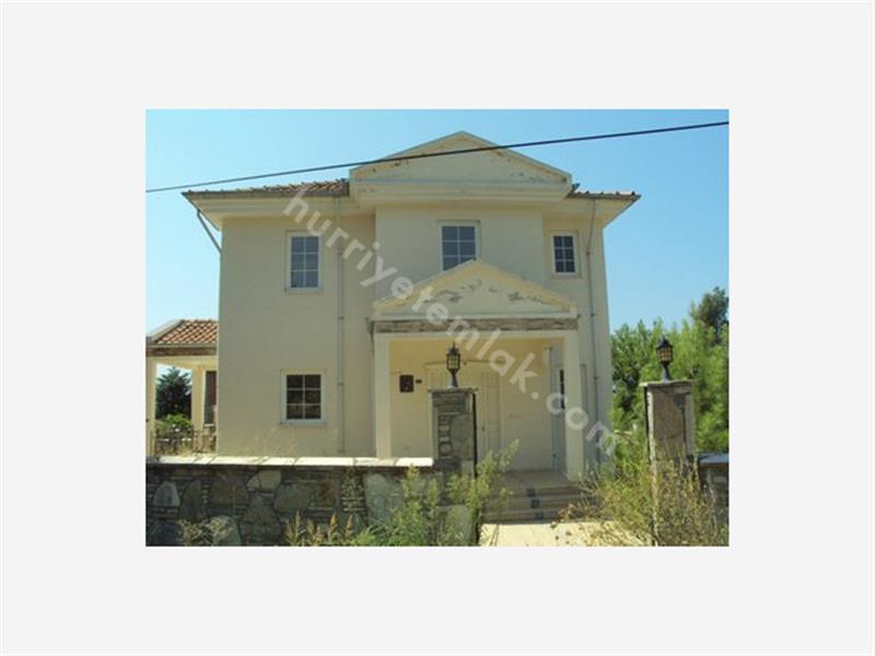 Köyceğiz Satılık Yüzme Havuzlu Villa.