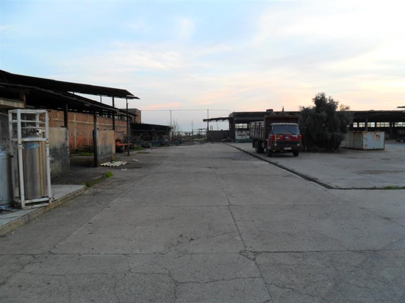 Aydın Merkezde İzmir Asfaltına Sıfır Satılık Fabrika 10742 M2