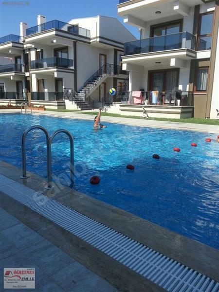 Şarköy Öğretmen Emlaktan Site İçerisinde Havuzlu 2+1 Yazlık