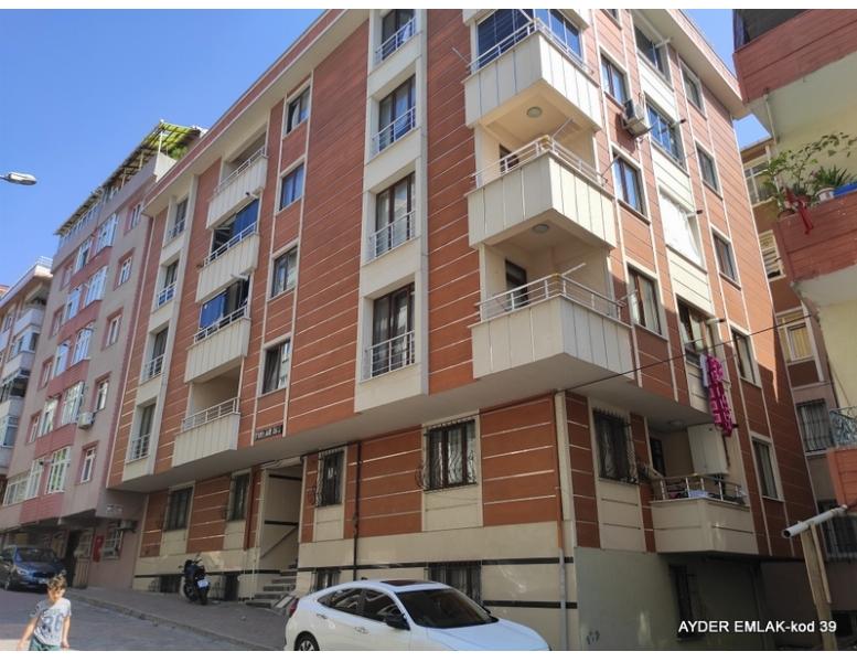 İstanbul Bahçelievler cumhuriyet mah de satılık 120 m² 3+1 -bahçekat daire