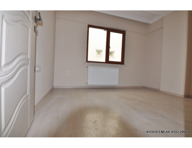 Bahçelievler cumhuriyet mah de satılık 90 m² 2+1 –3. kat daire