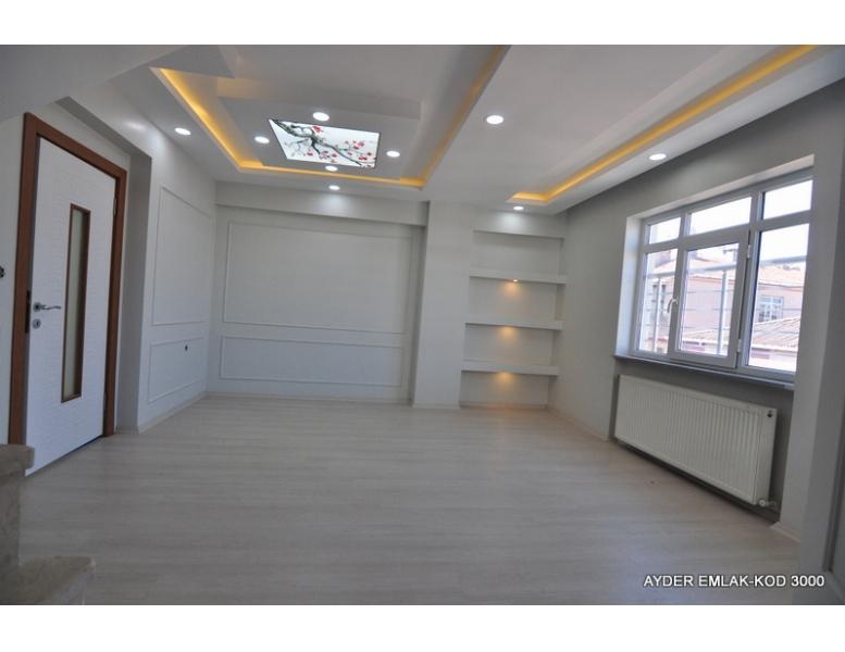 Bahçelievler cumhuriyet mah de satılık 190 m² 4+1 dubleks kat daire