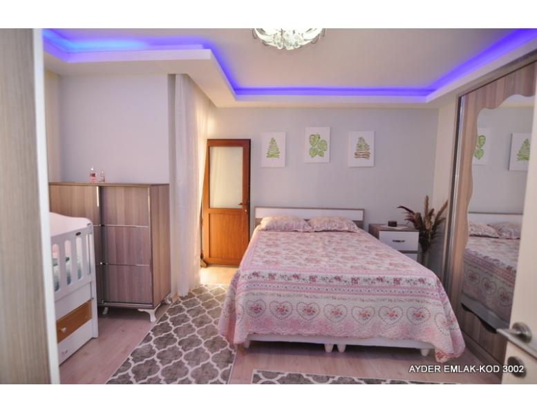 İstanbul Bahçelievler cumhuriyet mah de satılık 170 m² 4+1 dubleks kat daire