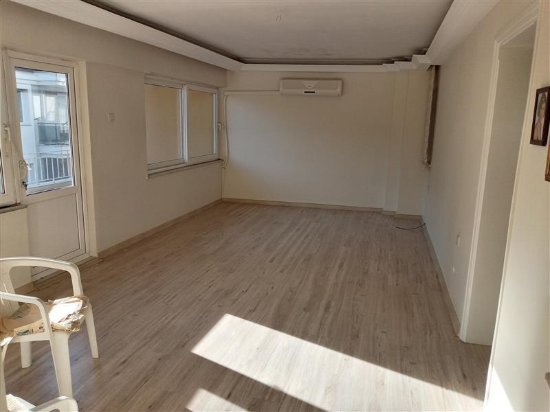 Aydın Merkez Hasanefendi Mahallesinde Satılık 360 M2 Arsa İçinde 3+1 İçleri Ful Yapılı 5 Katlı Müstakil Kelepir Bina