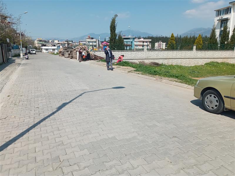 Aydın Merkez Osman Yozgatlı Mahallesinde Muğla Asfaltına Yakın Satılık 3 Kat İmarlı 265 M2 Arsa