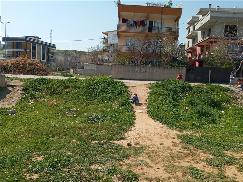 Aydın Merkez Osman Yozgatlı Mahallesinde Muğla Asfaltına Yakın Toplam 542 M2 , Arsa Satılıktır İçine 240 M2 İnşaat Olan Yan Yana 2 Arsa