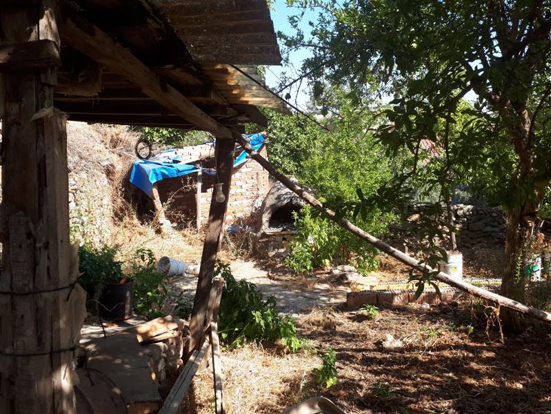 Aydın Koçarlı Halilbeyli De Satılık 172 M2 Arsa İçinde 2 Katlı Müstakil Bahçeli Eski Köy Evi
